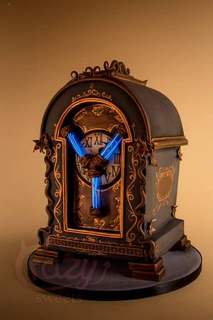 Flux Capacitor  steampunk mantelpiece clock. BTTF collab - Cake by Crazy Sweets