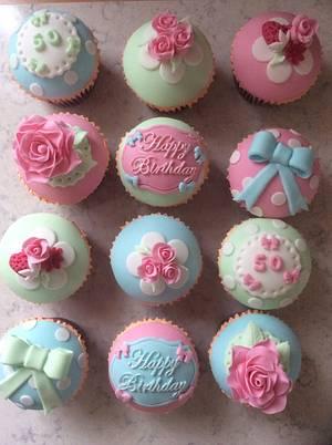 Vintage cupcakes  - Cake by melinda