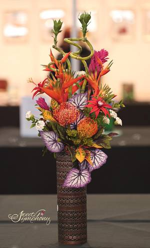 Fireworks in Sugarflowers- 1st place gold Cake International - Cake by Sweet Symphony