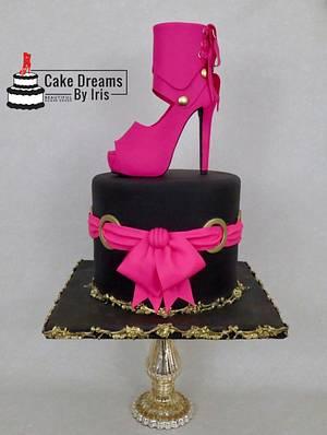 High heel sugar shoe - Cake by Iris Rezoagli