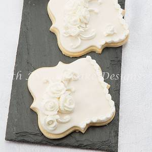 Lambeth Style Wedding Cookie - Cake by Bobbie