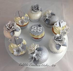 Silver wedding anniversary cupcakes - Cake by Edible Essence Cake Art