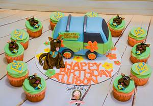 Scooby Doo Cake and Cupcakes - Cake by Sarah's Cakes