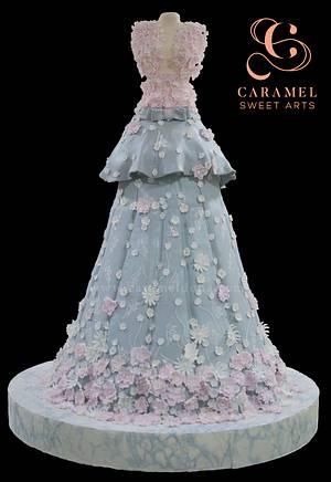 Bridal dress cake - Cake by Caramel Doha