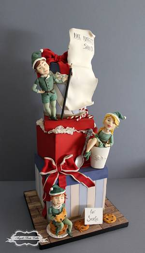 Have you been naughty or nice?  - Cake by Angela Penta