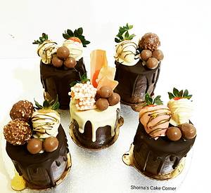 Mini  chocolate drip cakes  - Cake by Shorna's Cake Corner